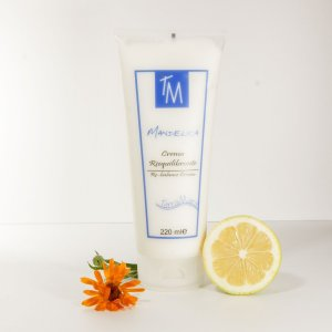 balancing cream with sweet almond oil, alpha-hydroxy acids, calendula and passionflower