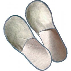 CLOSED IN DISPOSABLE SLIPPERS TNT